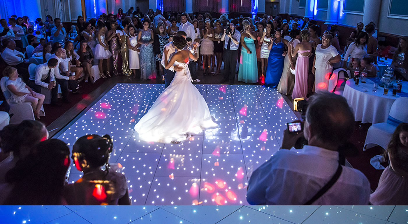 Why Use A Wedding Entertainment Agency