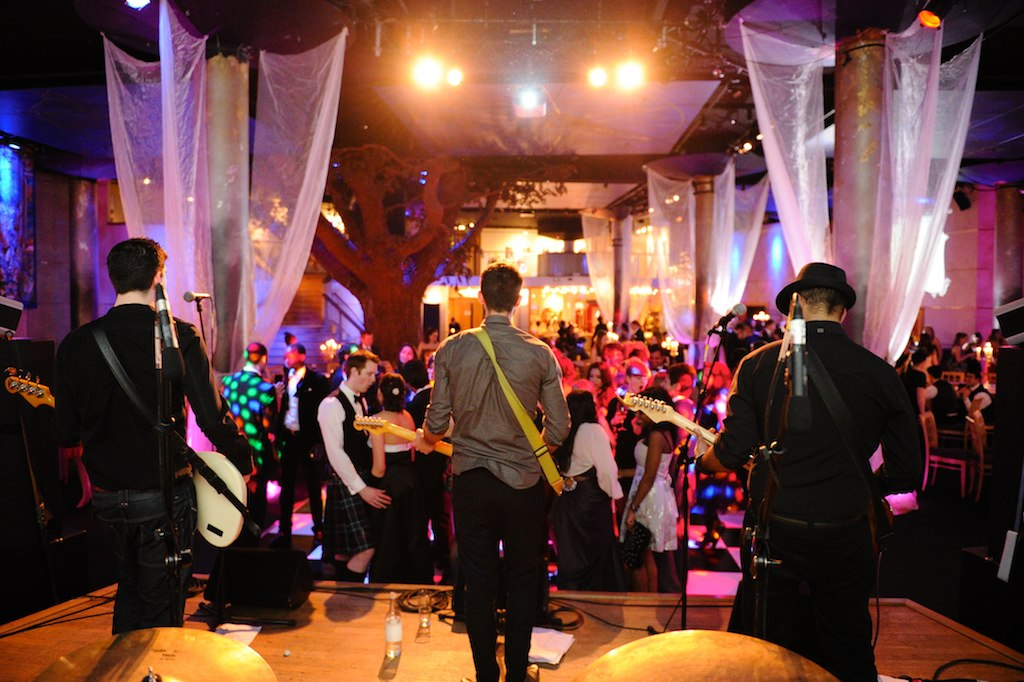 10 Questions You Must Ask Before Booking A Wedding Band