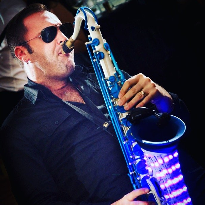 Club saxophone