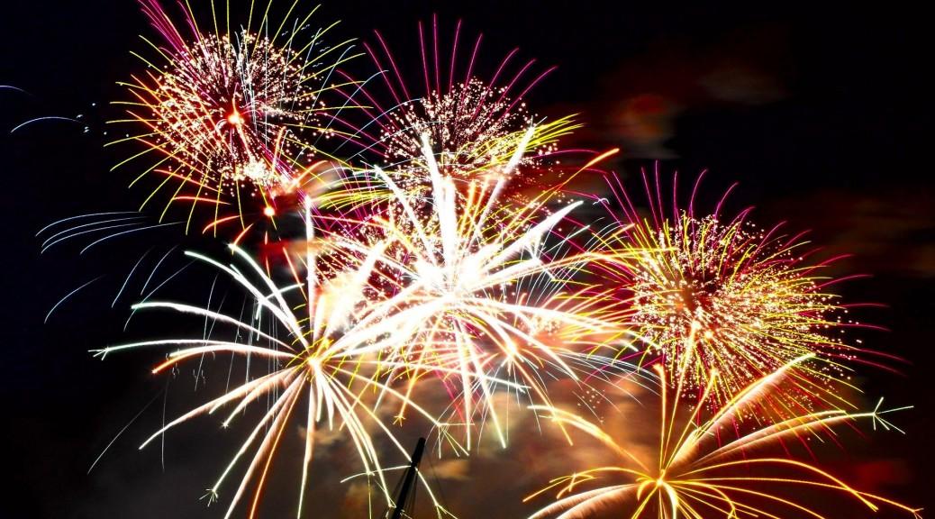 NYE party last min entertainment ideas 2014 fireworks