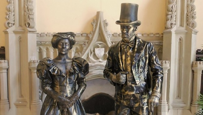 Living Statues Vintage Wedding Entertainment