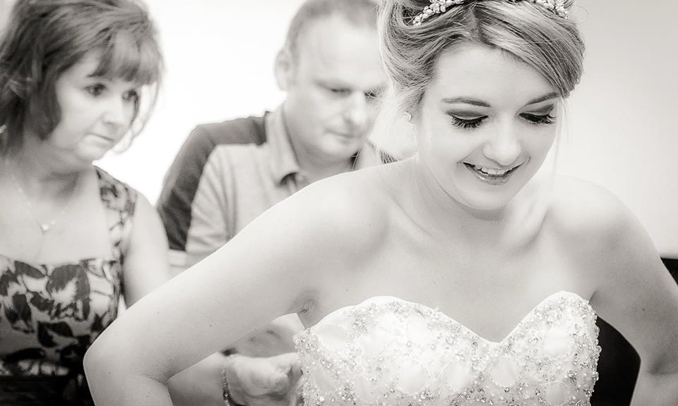 Top tips from a photographer for getting ready on your wedding morning