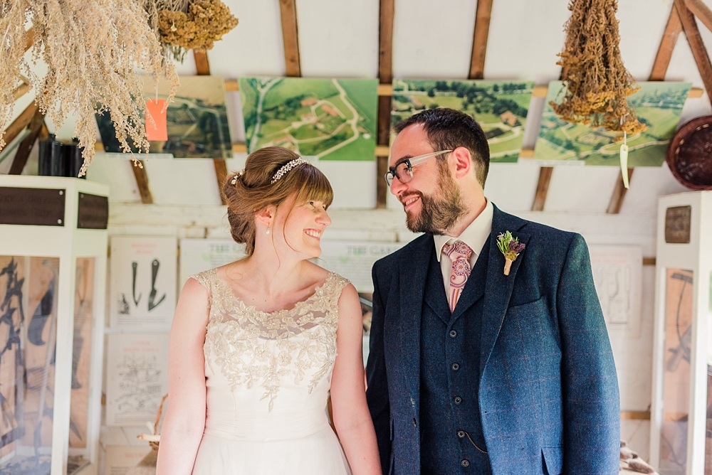 cressing-temple-barns-wedding-photos-kerrie-mitchell-photography_0313[3]