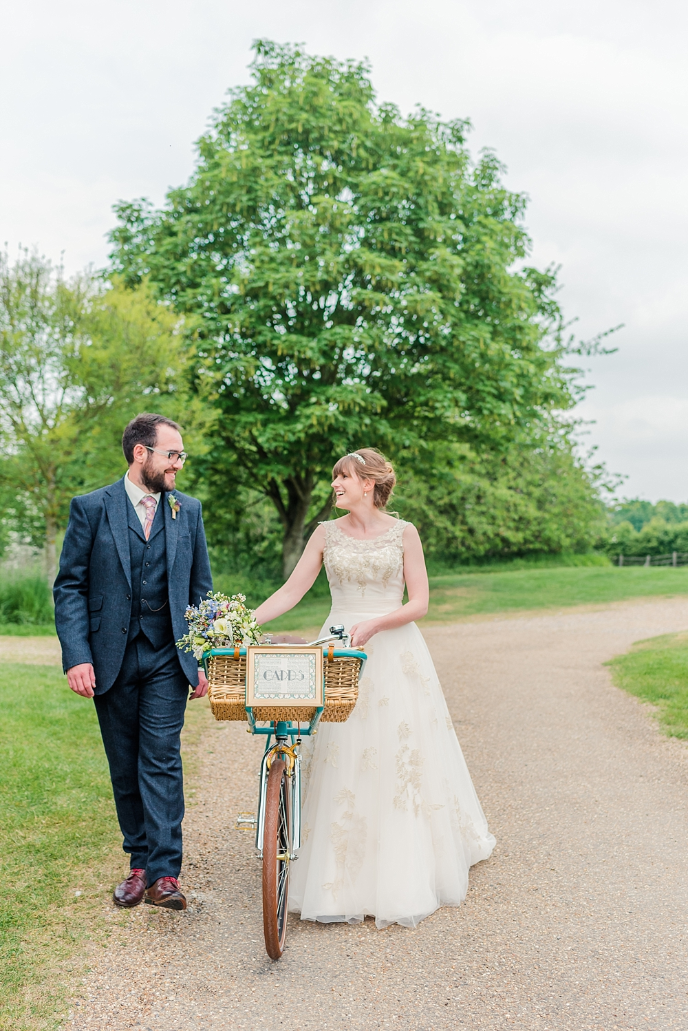 cressing-temple-barns-wedding-photos-kerrie-mitchell-photography_0371[4]