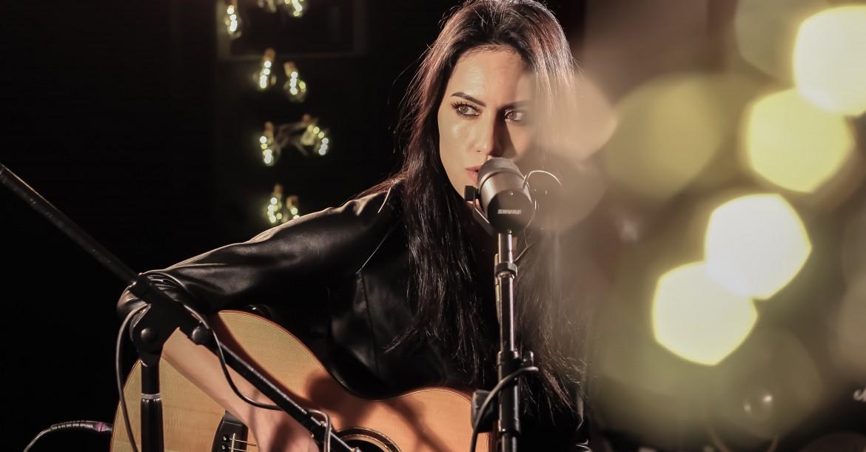 Jade Sings