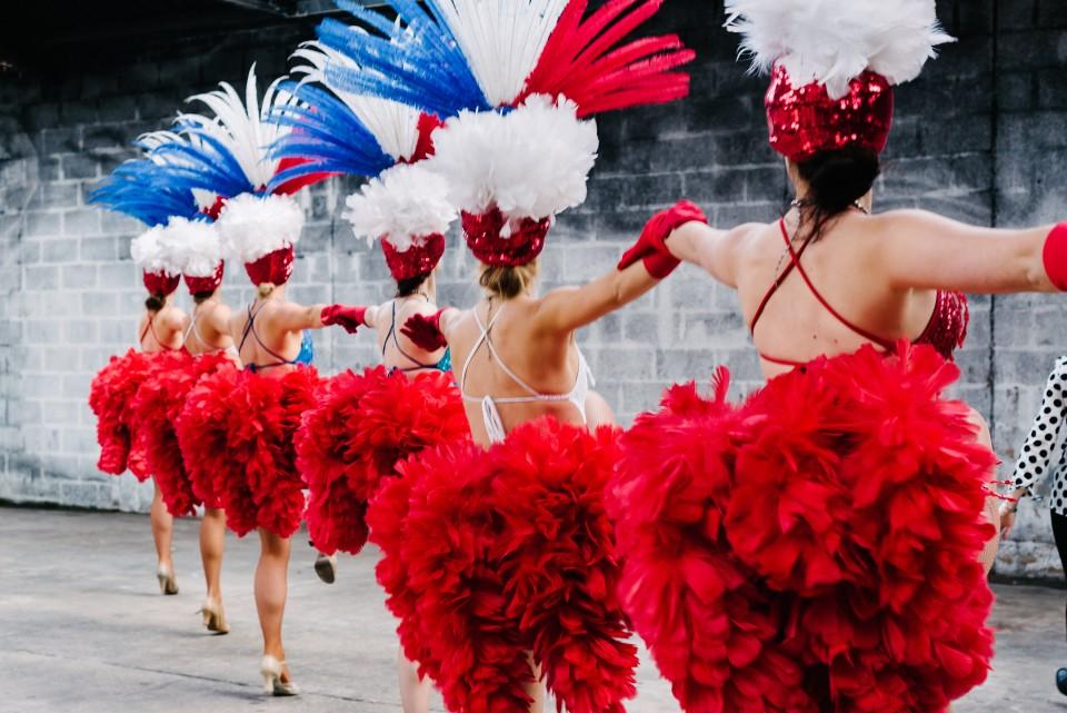 show girls dancers