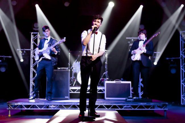 live on stage wedding band