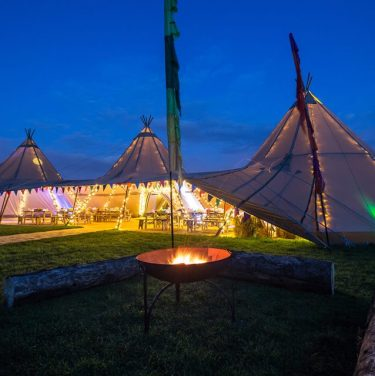 Festival Wedding Ideas & Planning Tips (Music, Tipis, Food, Décor and More…)