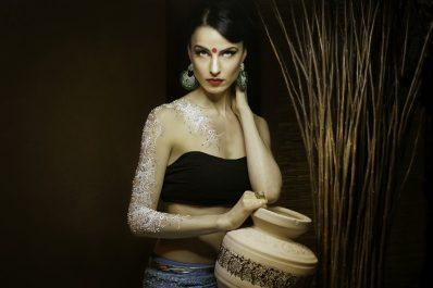 henna artist wedding