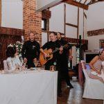 Singing waiters live