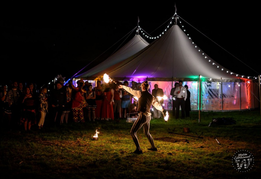 Summer_wedding_Fire_performers